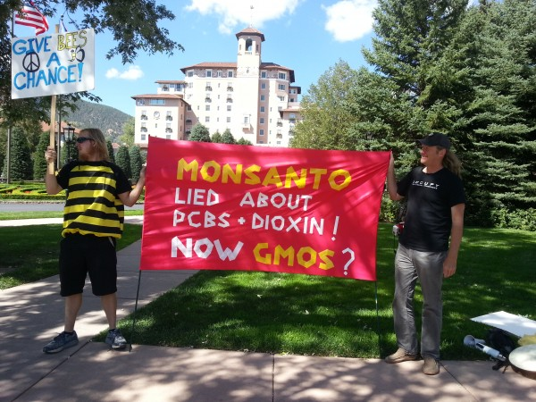 Broadmoor Bee Die-In