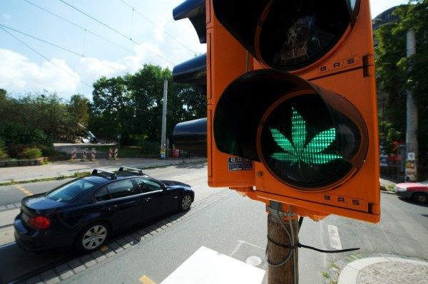 marijuana-green-light-1