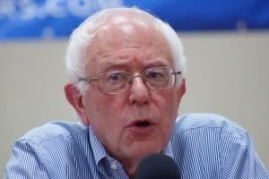 Bernie-sanders-franklin-nh-20150802-DSC02609_20242531775-300x200