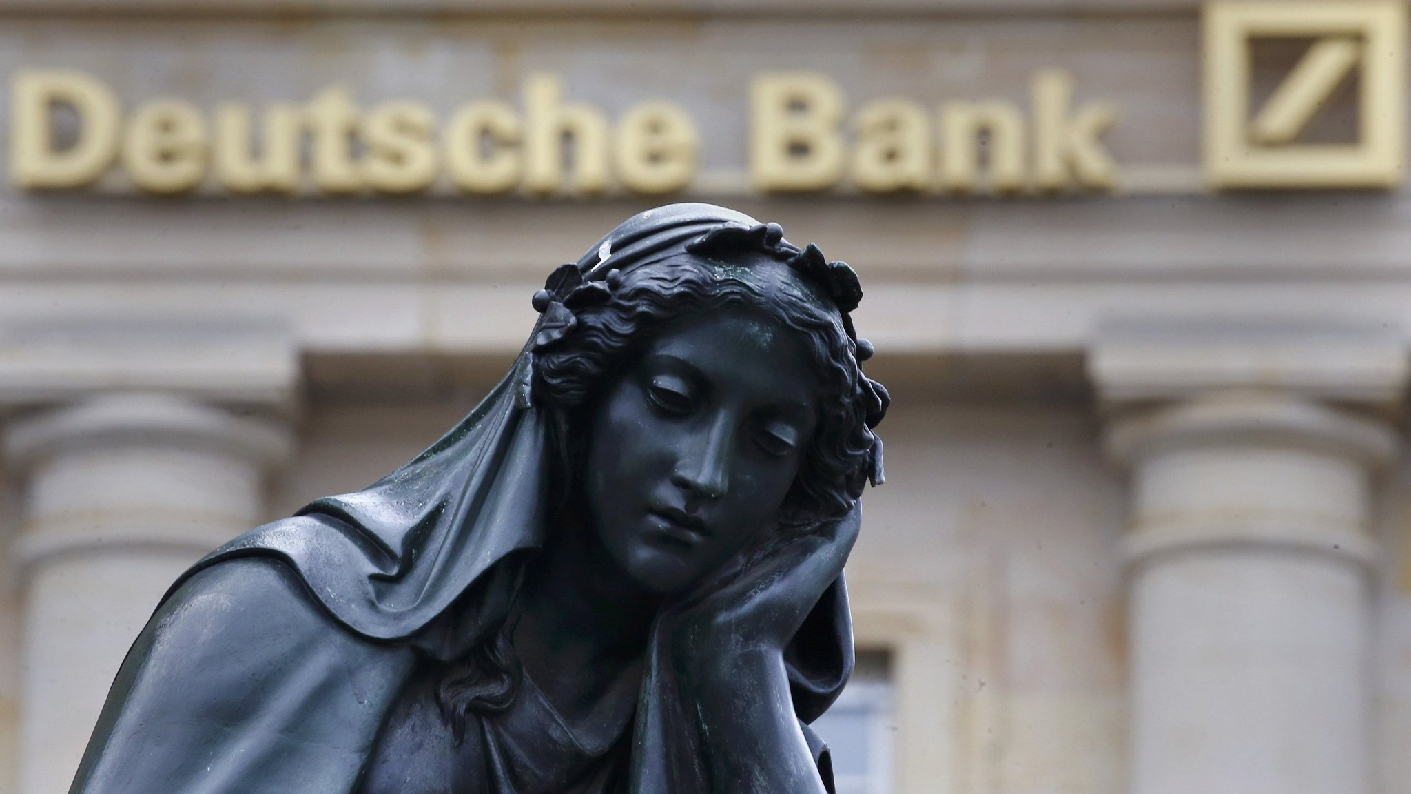 The Run Begins: Deutsche Bank Hedge Fund Clients Withdraw Excess Cash