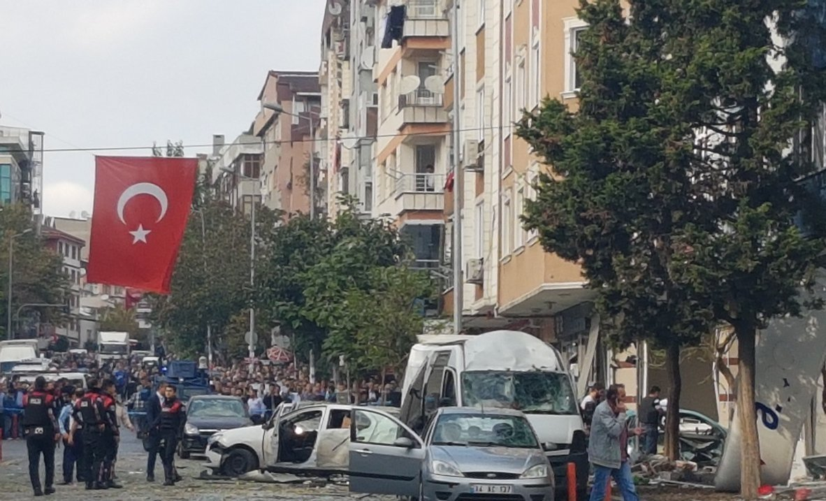 #BREAKING: Ten Injured In Blast In Istanbul, Turkey Near Police Station