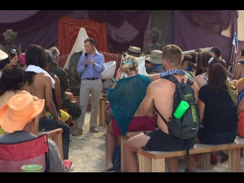 Dennis Kucinich at Burning Man! Not Happy w/ Obama Care
