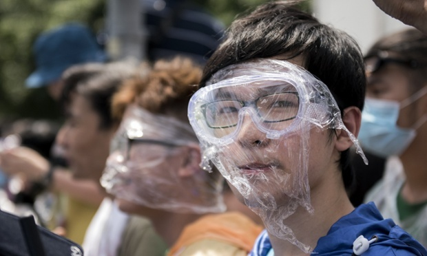 Hong Kong citizens step up protests as riot police withdrawn