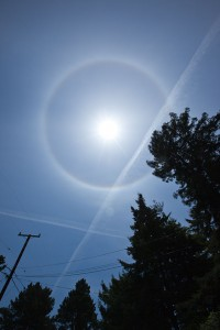 Chemtrail with a circle