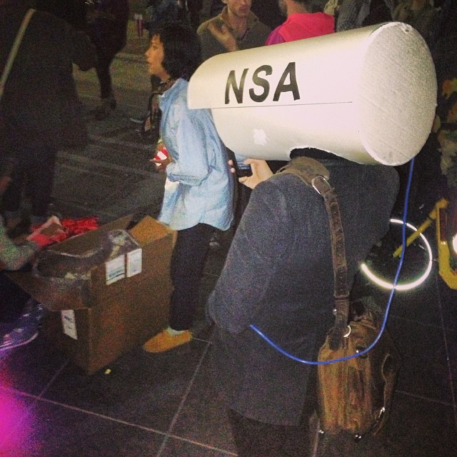 There's a free impromptu movie showing about the #nsa starting in Washington sq then going to a secret location now #wrc