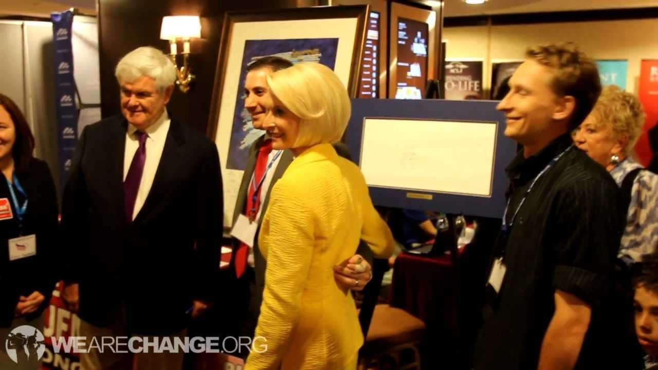 VIDEO: Newt Gingrich Autographs Bohemian Grove Picture
