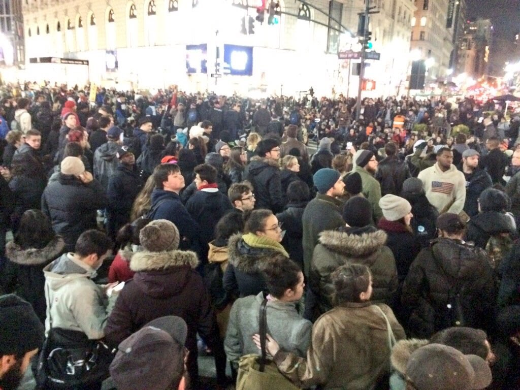 BREAKING Mass Arrests In Time Square For Eric Garner