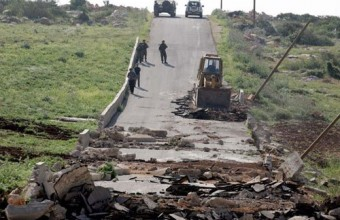 Palestine: Israeli forces destroy 1,000 Meter water pipe