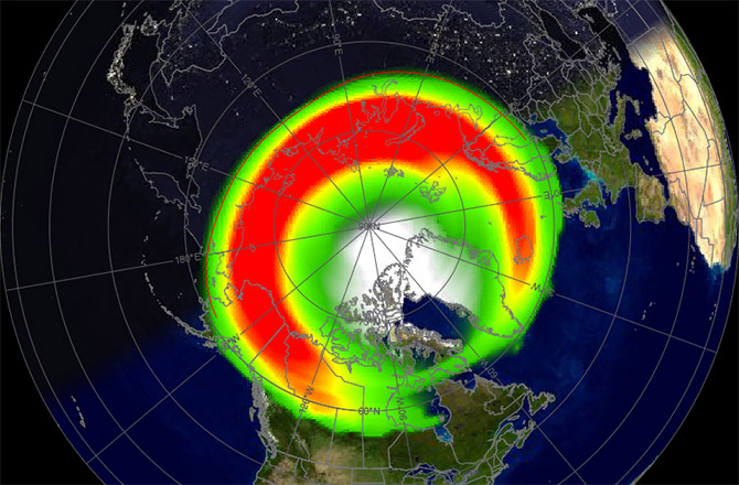 Powerful Solar Storm Rips into Earth's Magnetic Field