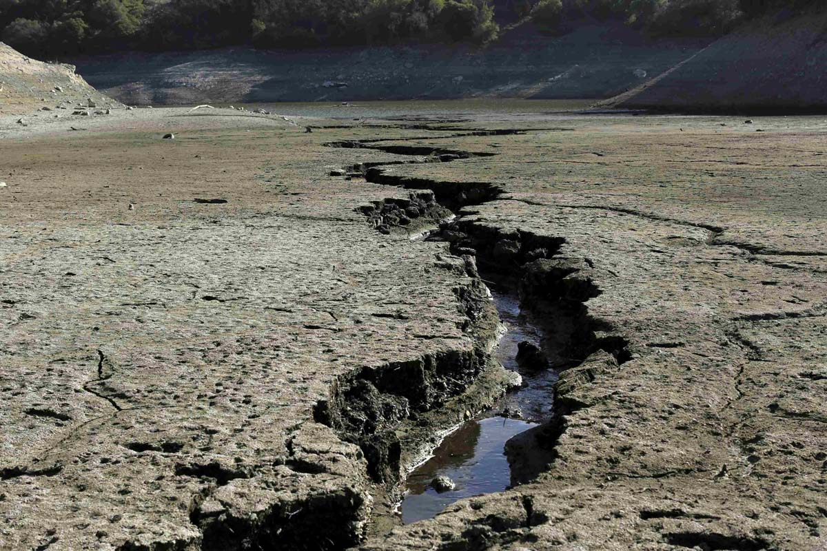 Californians Outraged As Oil Producers & Frackers Excluded From Emergency Water Restrictions