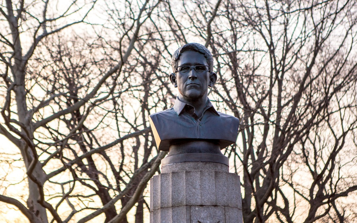 Artists secretly install Edward Snowden statue in Brooklyn park