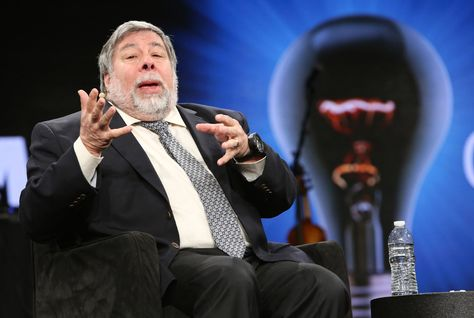 Apple Co-Founder: 'US would look like Dubai if it didn't spend all its money on military'