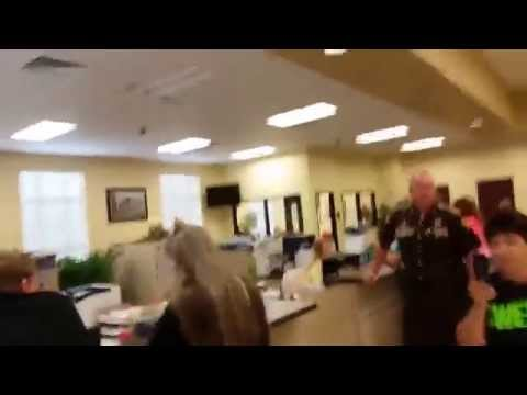 Video Of Kentucky Clerk Denying Same-Sex Couple Marriage License After Cops Called Goes Viral