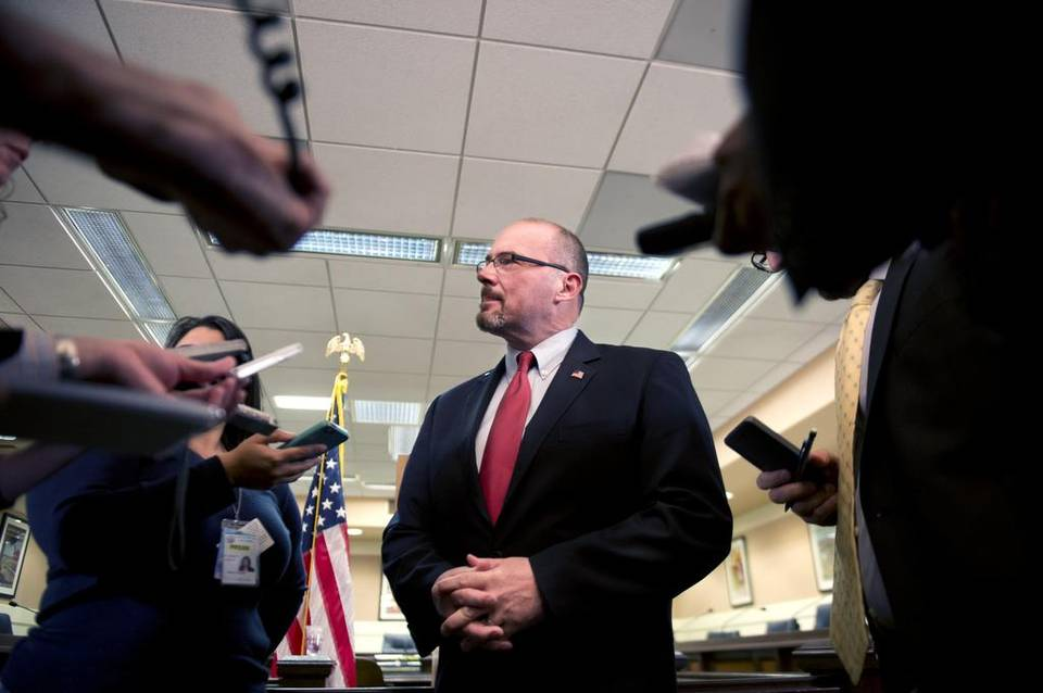Tim Donnelly files referendum to overturn California vaccine bill