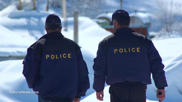 Police-Patrol-In-Winter-Raid-Snow