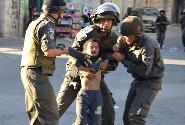 Occupation arrested 6,830 Palestinians in 2015