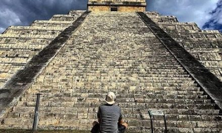 Exploring The Mayan Chichen Itza Pyramid and Cenote's in The Yucatan