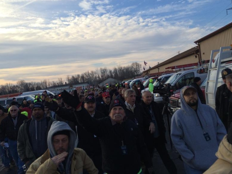 Hundreds of plumbers descend on Flint, while government perpetually fails to provide assistance