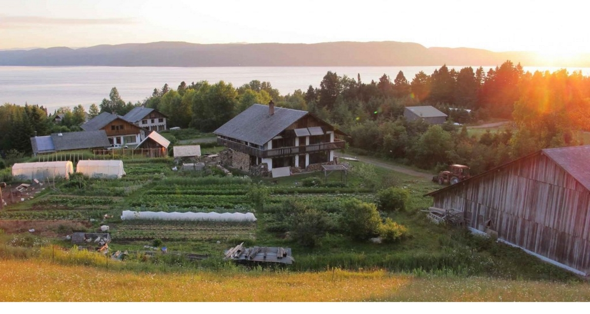 The Eco-village of « La Baie » From Straw to Resilience
