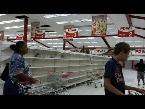 Venezuela: Currency Worth So Little Shopkeepers Weigh Piles of Notes