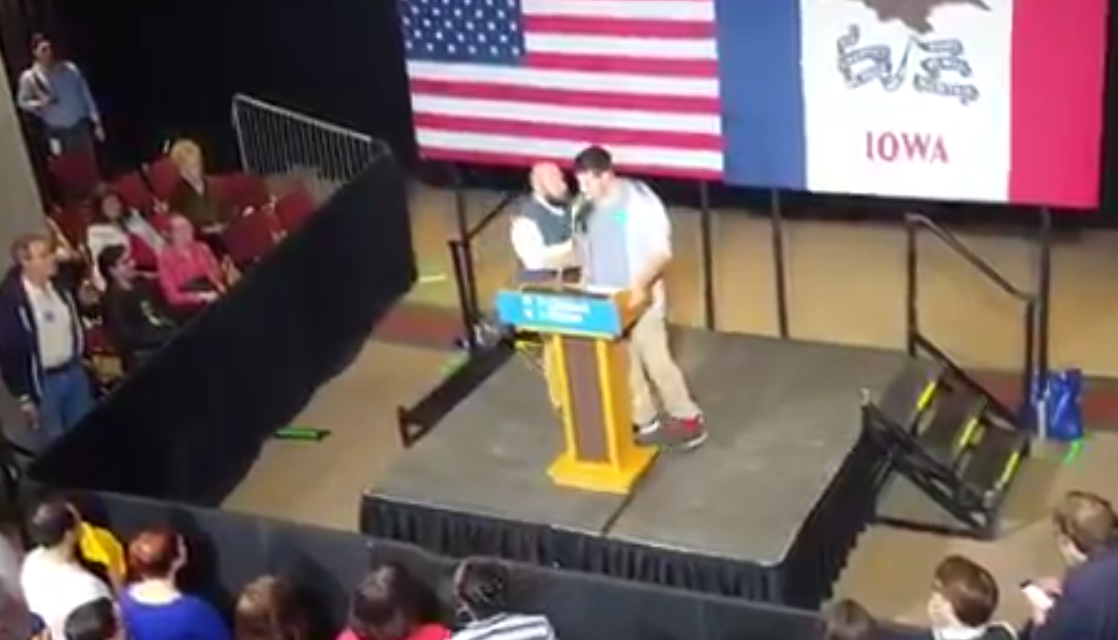 Speaker at Sanders Rally Tells Crowd Not to Vote Clinton, Gets Dragged Off Stage