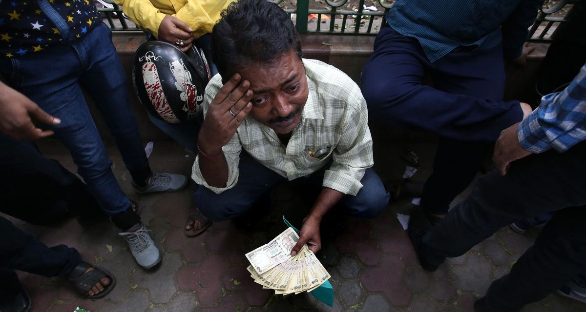 SURVIVING The Economic Collapse and Cashless Society In India