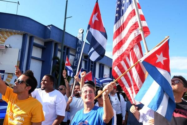 cuban-americans-fill-miami-streets-to-celebrate-fidel-castros-death
