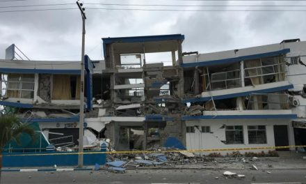Earthquake Along Ecuador's Coast Kills Two, Halts Refinery
