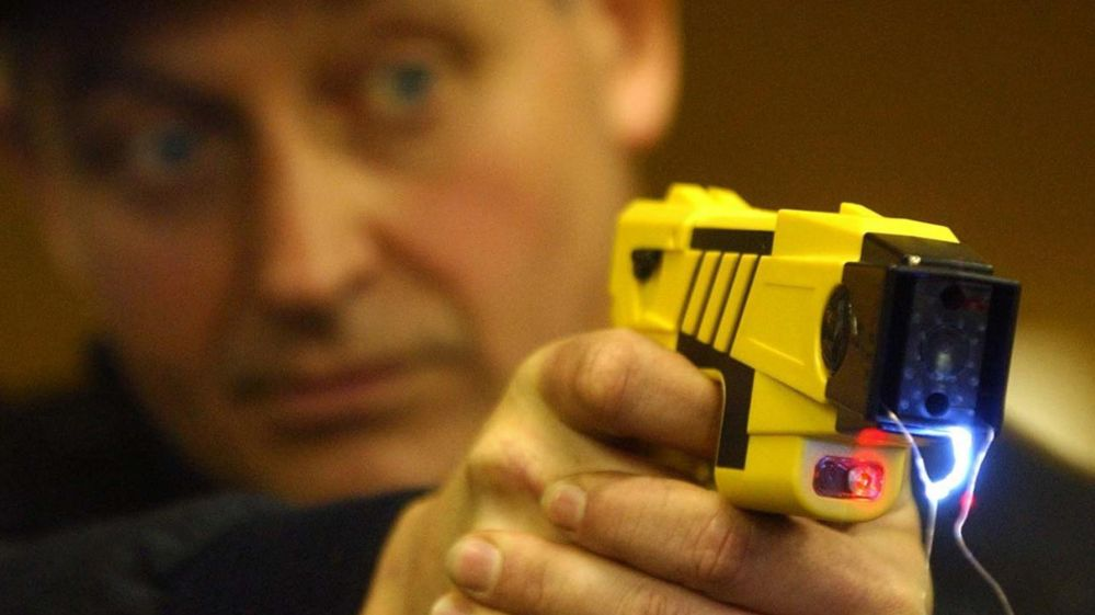 Man Dies From Police Taser After Attacking Female Officer