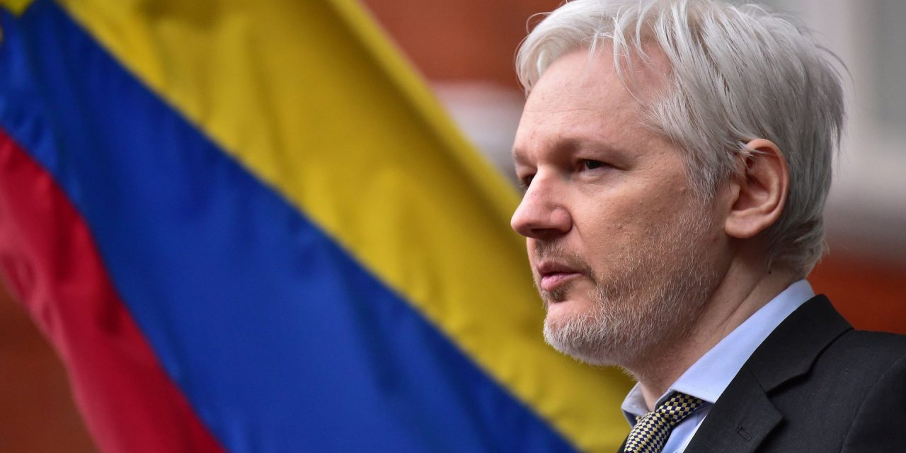 Ecuadorian Presidential Candidate Threatens to Terminate Assange Asylum if Elected