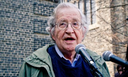 Noam Chomsky: 'Most Of The World Is Just Collapsing In Laughter' At Russian Intervention Hysteria