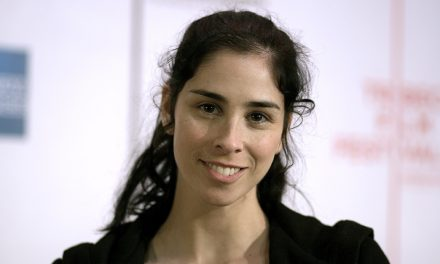 Sarah Silverman Just Removed All Of Her Money From Her Bank In Protest Of DAPL