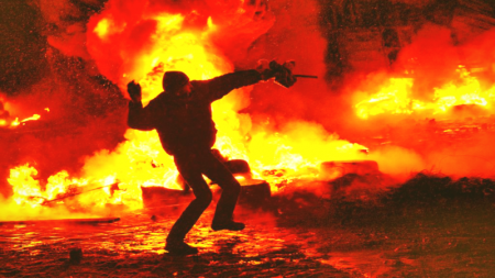 """Florida """"Anti-Mob"""" Bill Gives Civilians Immunity If They Shoot Looters or Run Over Protesters"""