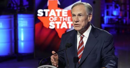 """Don't Tread on Our Freedom"": Texas Joins Resistance Against Vaccine Passports"
